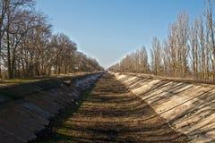 Canal da irrigação Fotografia de Stock Royalty Free