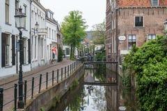 Canal dans la vieille ville d'Amersfoort Images libres de droits