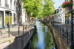 Canal dans la vieille ville d'Amersfoort, Pays-Bas Photographie stock