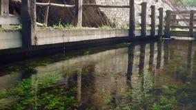 Canal de água running lento 21 de Taramundi filme