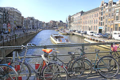 Canal de Amsterdam, Holanda Foto de archivo