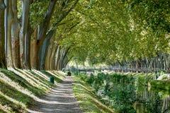 Canal de Brienne en Toulouse, Francia Foto de archivo