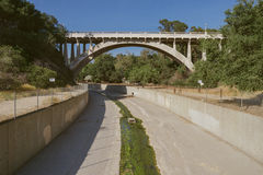 Canal de control de inundaciones, el condado de Los Angeles Imagen de archivo libre de regalías