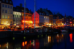 Canal de Copenhaga na noite Imagem de Stock Royalty Free