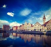 Canal de Ghent e rua de Graslei. Ghent, Bélgica Fotografia de Stock