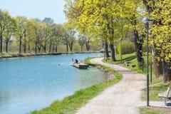 Canal de Gota durante la primavera en Suecia Foto de archivo