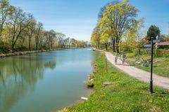 Canal de Gota pendant le ressort en Suède Images libres de droits