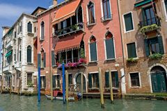 Canal de Gran e edifícios históricos Foto de Stock Royalty Free