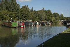 Canal de Kennet y de Avon en Devizes Reino Unido Imagenes de archivo