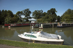Canal de Kennet y de Avon en Devizes Reino Unido Fotos de archivo