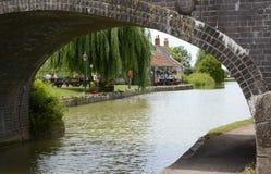 Canal de Kennet y de Avon en Seend Devizes inglaterra Foto de archivo