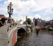 Canal de la ciudad de Amsterdam Foto de archivo libre de regalías