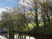 Canal de Leeds Liverpool chez Salterforth dans la belle campagne à la frontière de Lancashire Yorkshire en Angleterre du nord Image libre de droits