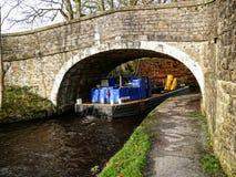 Canal de Leeds Liverpool chez Salterforth dans la belle campagne à la frontière de Lancashire Yorkshire en Angleterre du nord Images stock