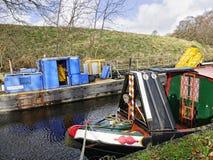 Canal de Leeds Liverpool en Salterforth en el campo hermoso en la frontera de Lancashire Yorkshire en Inglaterra septentrional Imagen de archivo libre de regalías