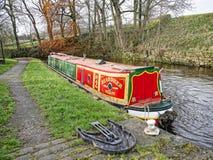 Canal de Leeds Liverpool en Salterforth en el campo hermoso en la frontera de Lancashire Yorkshire en Inglaterra septentrional Fotos de archivo