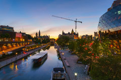 Canal de Ottawa Rideau no crepúsculo Imagem de Stock