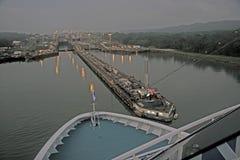 Canal de Panamá antes de la salida del sol Foto de archivo libre de regalías