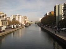 Canal de Paris images libres de droits