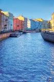Canal de río en St Petersburg imagen de archivo