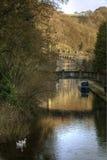 Canal de Rochdale à la passerelle de Hebden Photo stock