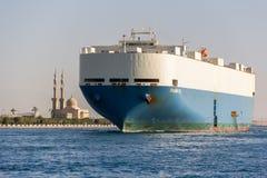 Canal de Suez croisé de bateau Photos stock