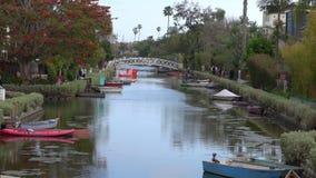 Canal de Venecia, California durante una opinión de la inclinación-para arriba del día de verano