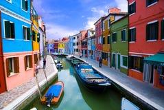 Canal de Venecia, isla de Burano Imagen de archivo