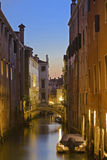 Canal de Veneza durante o nascer do sol Fotografia de Stock