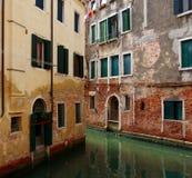 Canal de Veneza italy imagens de stock royalty free