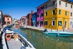 Canal de Venise, île de Burano Photo stock