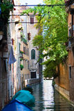 Canal de Venise avec des bateaux Photographie stock libre de droits