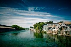 Canal de ville Photos libres de droits