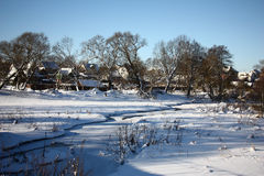 Canal del pequeño río en el invierno Fotos de archivo libres de regalías