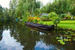 Canal del río en el Spreewald fotografía de archivo
