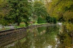 Canal do parque em Stratford Ontario fotos de stock