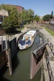 Canal du Midi, blocage de bateau et bateau guidé Image libre de droits