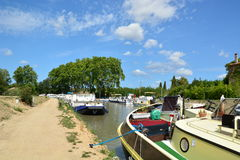 Canal du Midi em Capestang, Languedoc, França Fotos de Stock