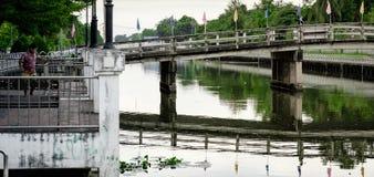 Canal e ponte de Thawi Watthana Imagens de Stock Royalty Free