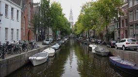 Canal en Amsterdam almacen de metraje de vídeo