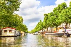Canal en Amsterdam Fotos de archivo libres de regalías