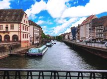 Canal en Amsterdam, Países Bajos Foto de archivo libre de regalías