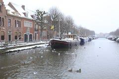 Canal en Brujas Fotos de archivo