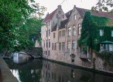 Canal en Brujas Foto de archivo libre de regalías