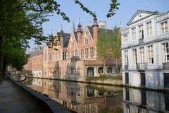 Canal en Brujas Imágenes de archivo libres de regalías