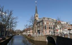Canal en Delft Imagenes de archivo