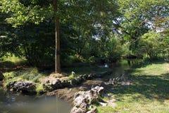 Canal en el parque de Vincennes imágenes de archivo libres de regalías