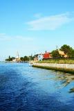 Canal en la isla de Burano, Venecia, Italia Fotos de archivo