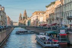 Canal en St Petersburg fotografía de archivo