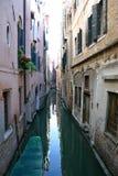 Canal en Venecia fotografía de archivo libre de regalías